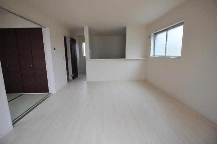 全居室が南向き! 駐車スペース3台分あります。