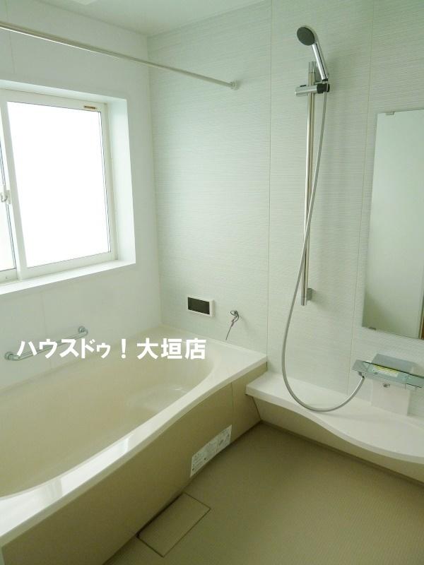 浴室乾燥機付きで雨の日のお洗濯にも便利です。