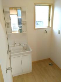 ◆小倉南区中曽根 庭付き一戸建て♪ 洗面台はエコシングル水栓付きでお湯と水の切り替えポイントが分かり、光熱費の削減が出来ますよ♪