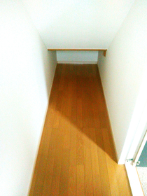 ◆小倉南区中曽根 庭付き一戸建て♪ 玄関横の収納です♪ベビーカーやゴルフバック等々収納出来ますよ♪