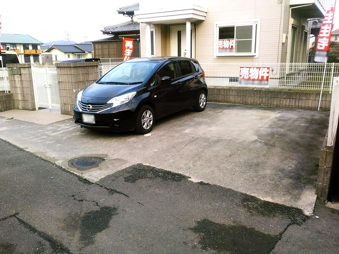◆小倉南区中曽根 庭付き一戸建て♪ 駐車スペースは並列で2台可能です♪造成スペースもありますよ♪