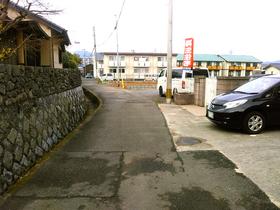 ◆小倉南区中曽根 庭付き一戸建て♪全面道路や幅員約4mであまり広くはありませんが、交通量が少ない通りです♪