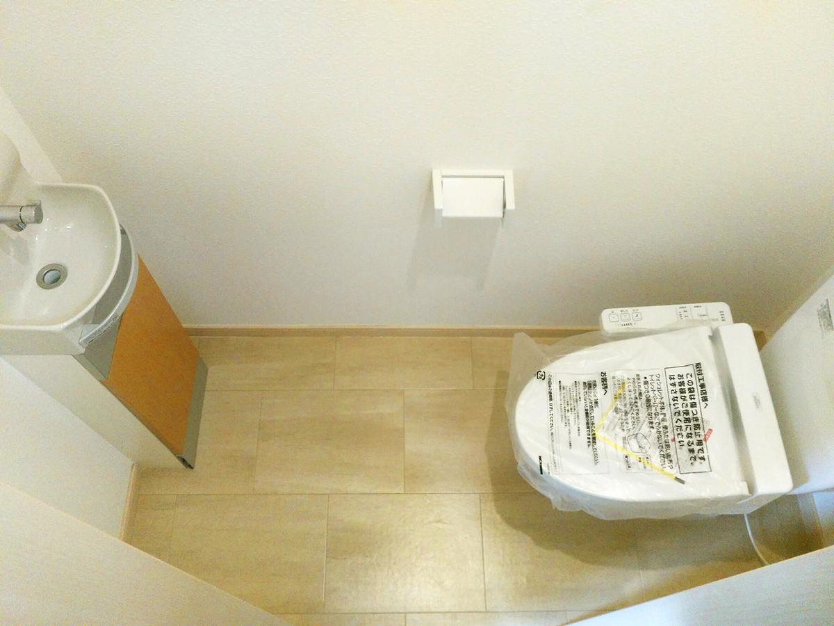 ◆小倉南区中曽根 庭付き一戸建て♪ 2階のトイレも洗面台付き♪