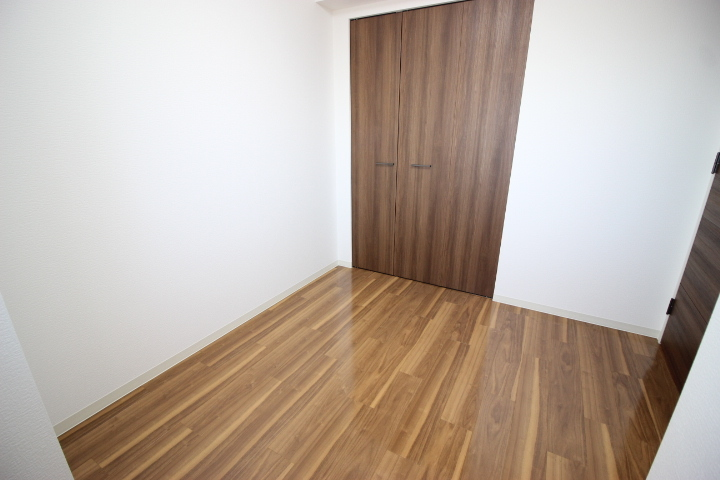 洋室の各お部屋にはクローゼットが付いています