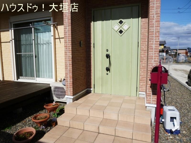 南向き玄関、明るい玄関でお客様をお迎えできます!
