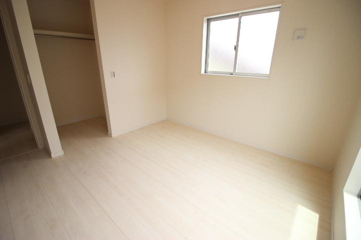 2階6.375畳のお部屋 明るくて日差しが気持ちいいお部屋です。