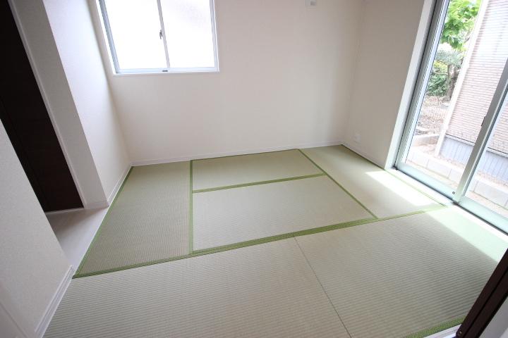 客間として、キッズルームとして、家事スペースとして、マルチに使える便利な空間です。