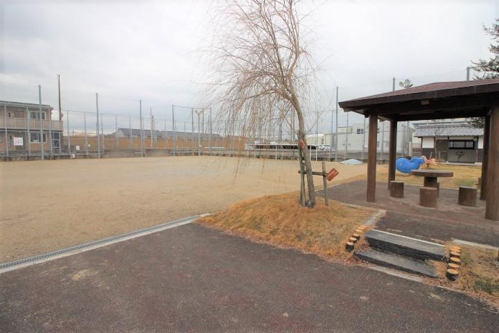 近くに公園があります♪