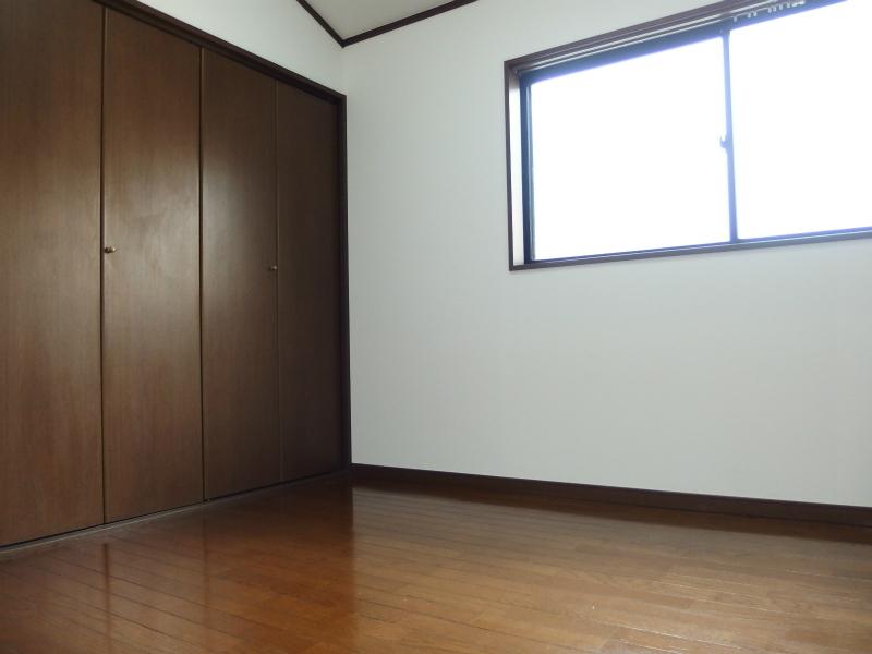 2階洋室5.5帖 たっぷり入るクローゼットあります。