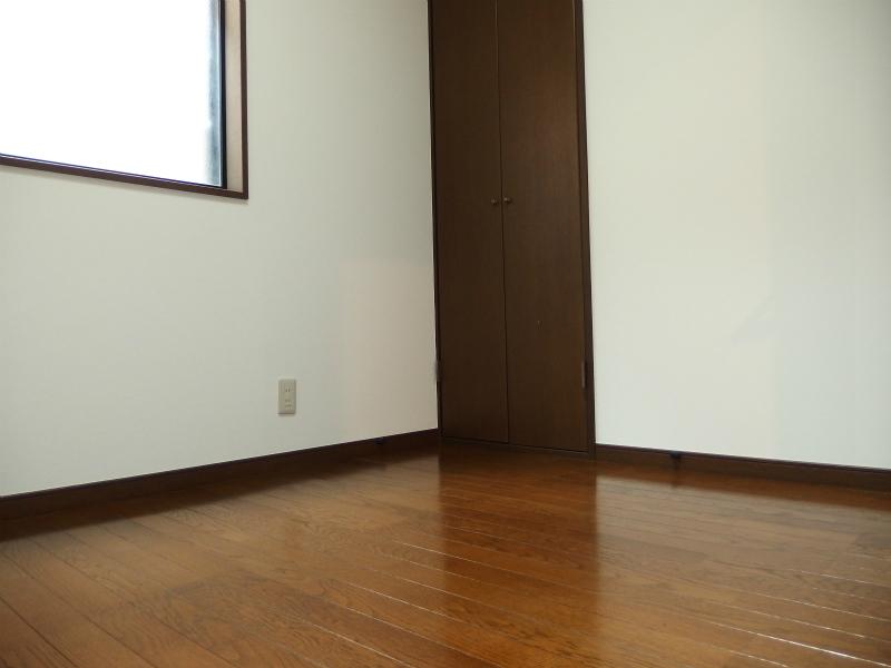 2階洋室4.1帖 収納付です。