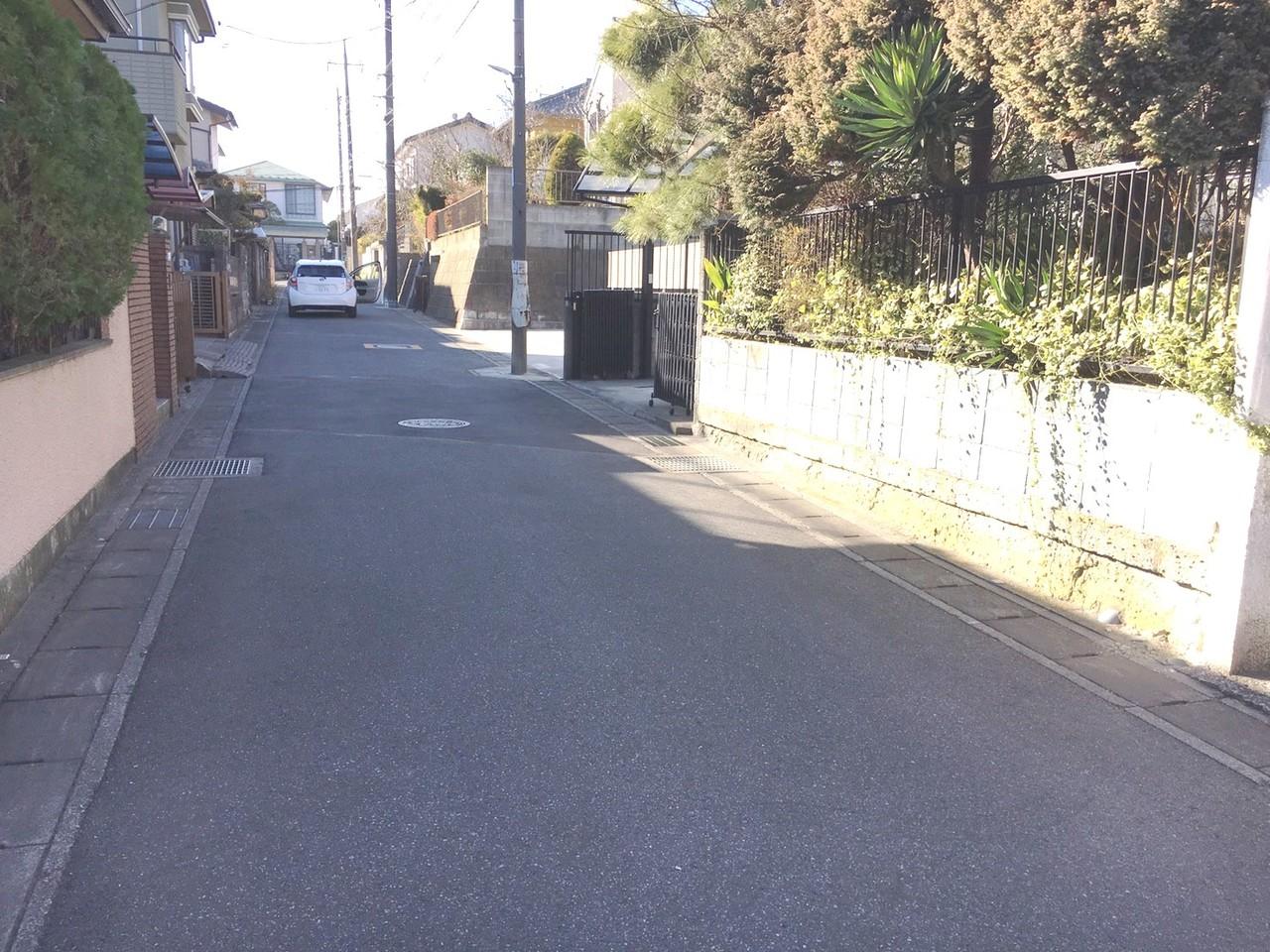 ◎前面道路(2/6更新) 南道路のため、日当たり良好です! 周辺は落ち着いた雰囲気の住宅街です。