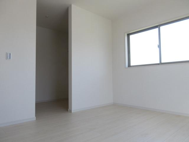 衣装がたっぷり収納できるウォークインクローゼットを備え付けた2階の洋室!