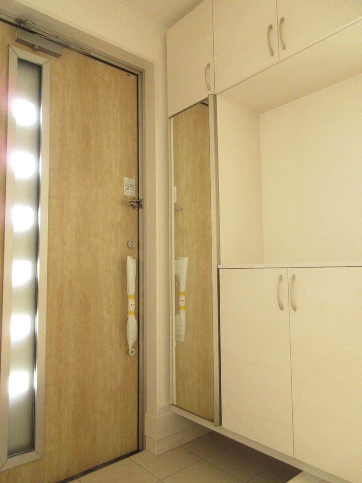 玄関横にシューズボックスがついているので、片付いた玄関がキープできます。