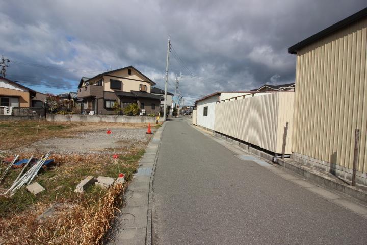 新舞子駅まで徒歩13分