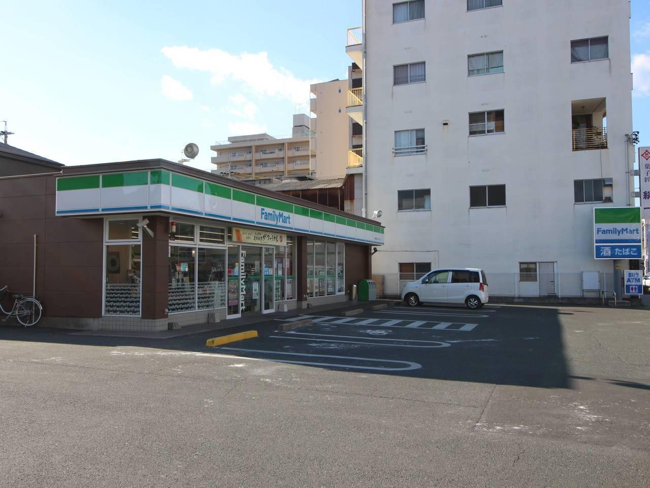 【コンビニ】ファミリーマート豊橋前田町一丁目店まで徒歩4分(275m)