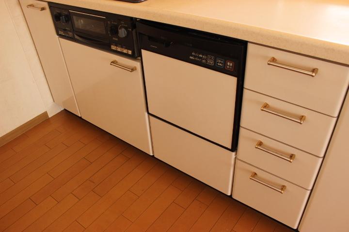 キッチンには食洗器が付いています 食洗器は忙しい主婦の味方です!