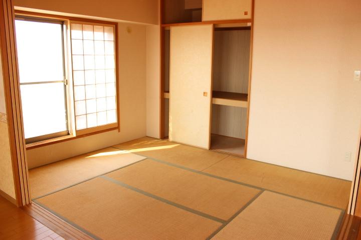 リビング横の6畳の和室 和室は家事スペースにも、キッズスペースにも客間にも使い方は様々です