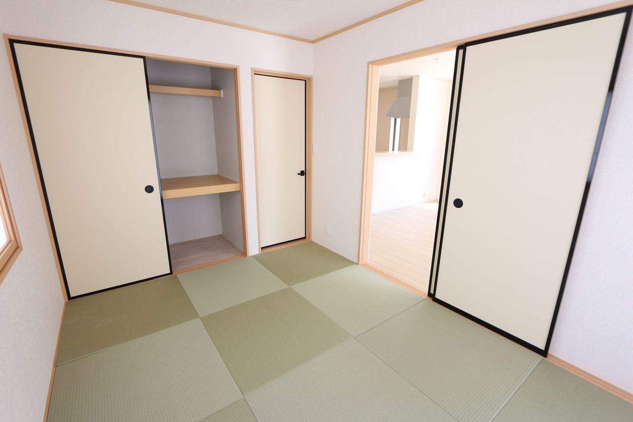 押入れ付きで寝室や客間と してもお使い頂けます。