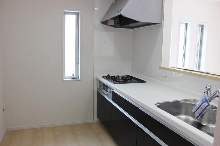 システムキッチン 床下収納 クレイドルガーデンシリーズ 同仕様写真