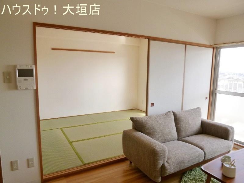 リビング横の和室は段差が少ないので小さいお子様にも安心です。