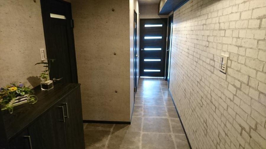 お家の中でも一番見られる事の多い玄関・・・。玄関から居室へと続く廊下の第一印象で、オシャレな家と話題になりそうです!