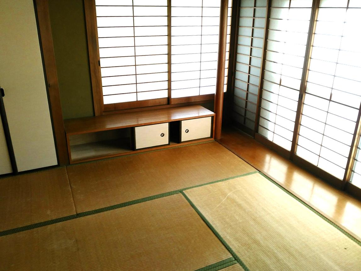 リビング横の6帖和室です♪南庭に面しており、日当たりの良い和室ですよ♪