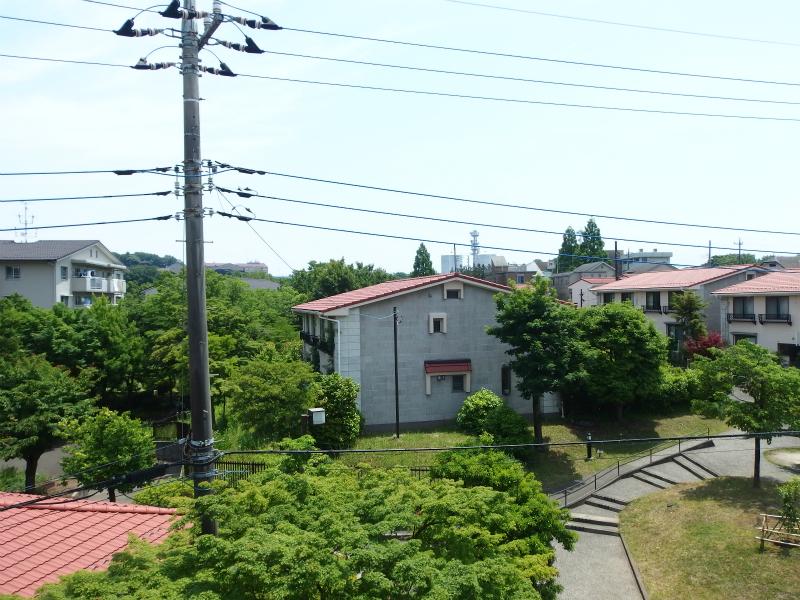 和室(約6帖) 東向きの窓からの眺望①