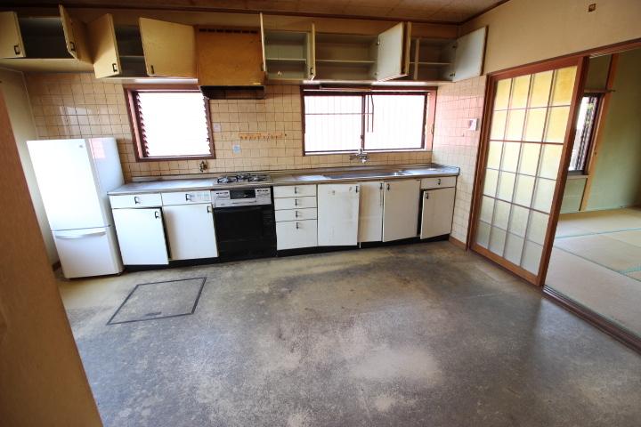 調理台がついたゆとりあるキッチンです お料理の効率がアップいそうですね