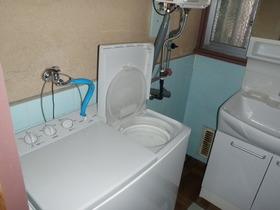 室内に洗濯機がおけるのはこの年代の建物ではめずらしいです。