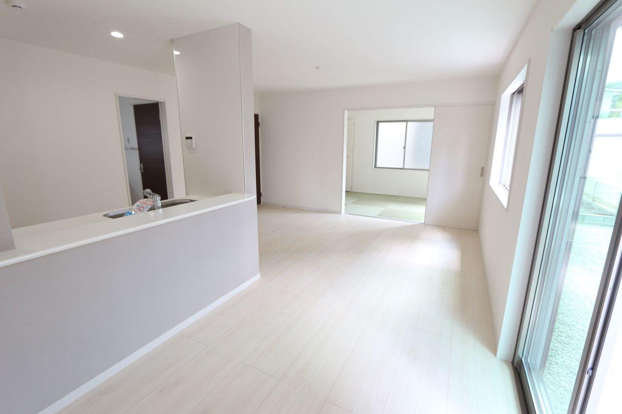 和室を合わせると22.25帖の 大きなお部屋です。