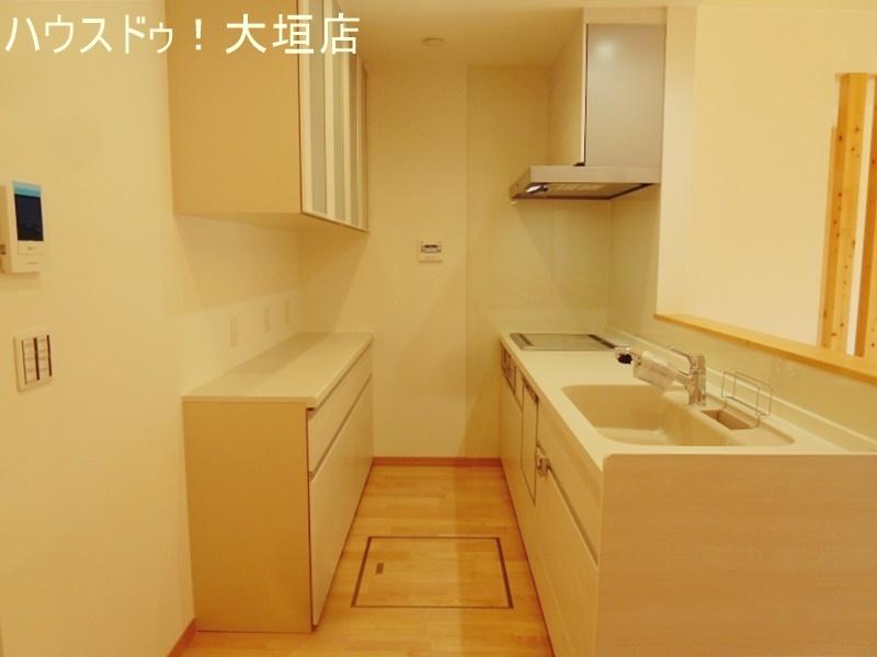 清潔感のあるキッチン。物が片付きいつでも気持ち良くお使い頂けます。