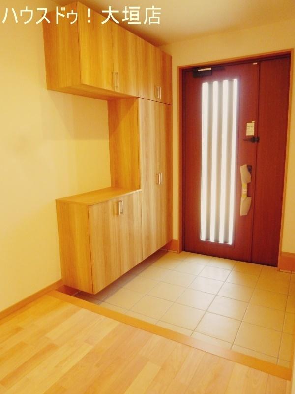 大容量のシューズボックスでゴチャゴチャしがちな玄関周りもスッキリします。