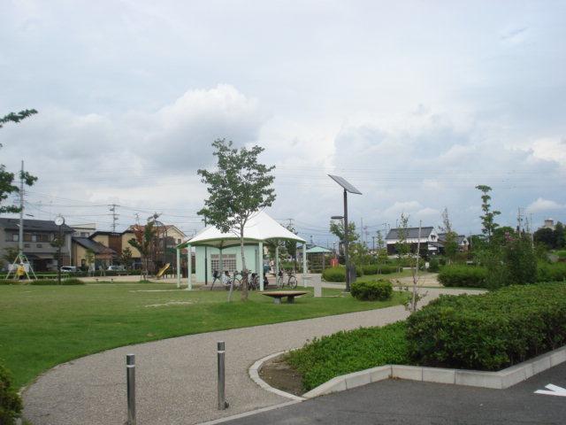 【公園】乙川公園  芝生やグラウンド遊具などたくさんあります!! 駐車場 14台(うち1台障がい者用駐車場)