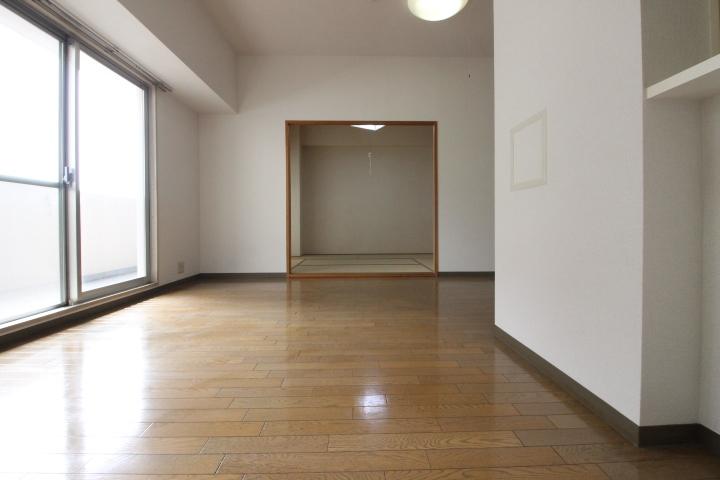 和室と隣接しているため、ゆったりとお使い頂けます♪
