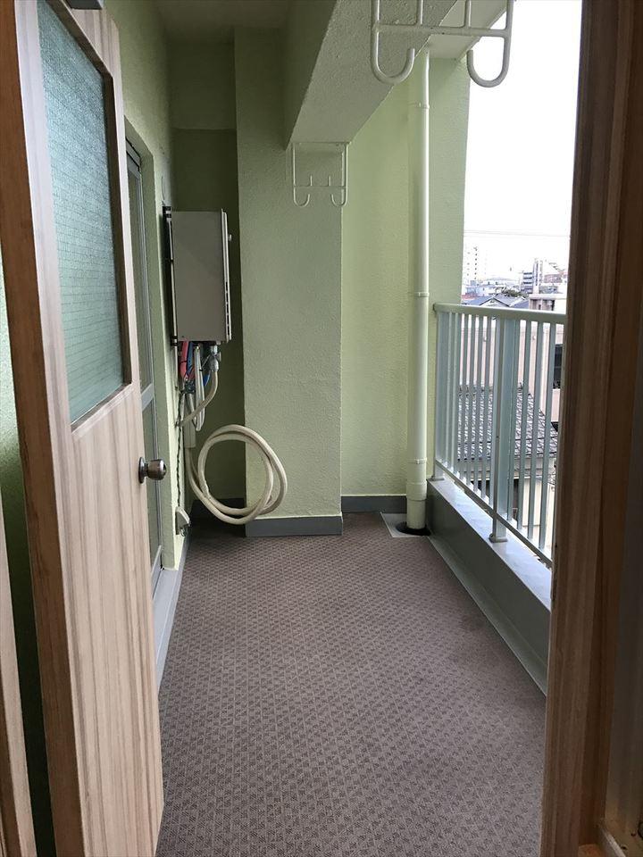 南面のバルコニーは日当り良好!所在階数も4階で、人目を気にすることなくお洗濯物を干すことができます◎