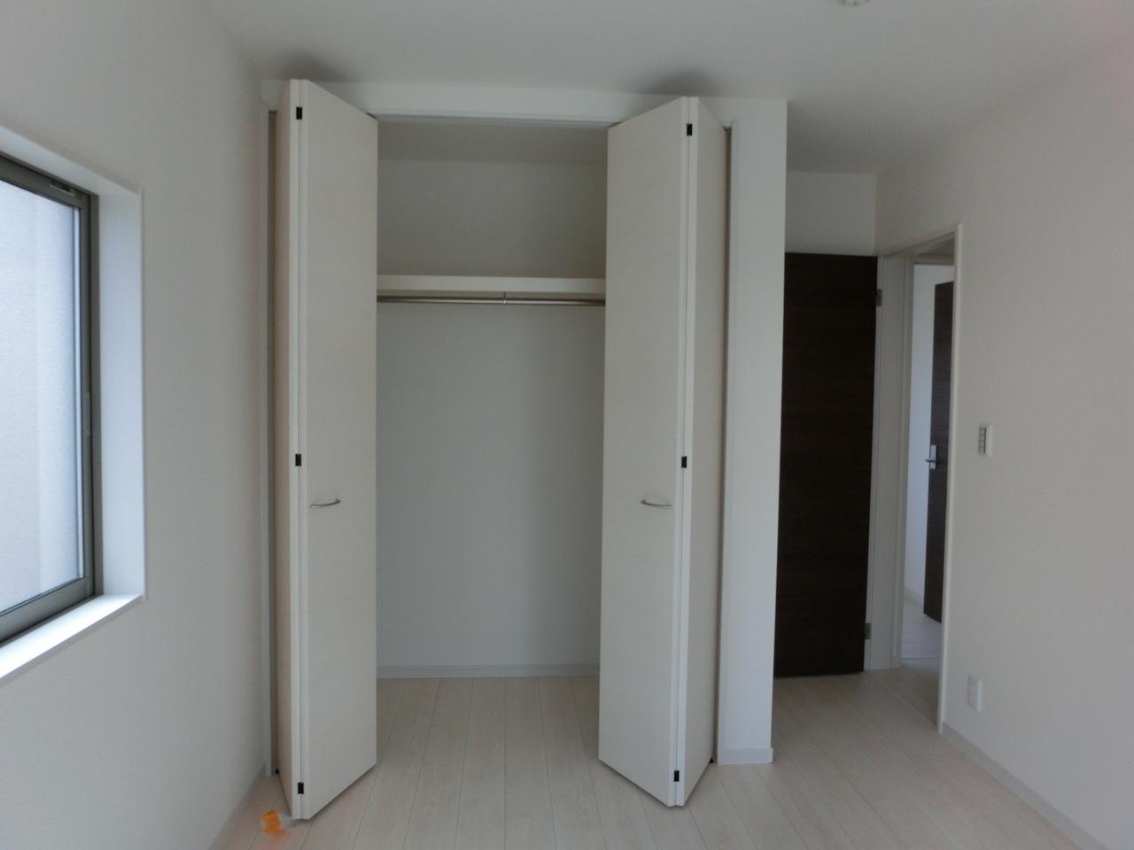2階 6.5帖(南)のクローゼットです 全居室、収納たっぷりです