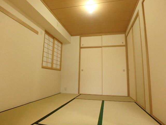 6帖の和室 ほっとくつろげる空間です。