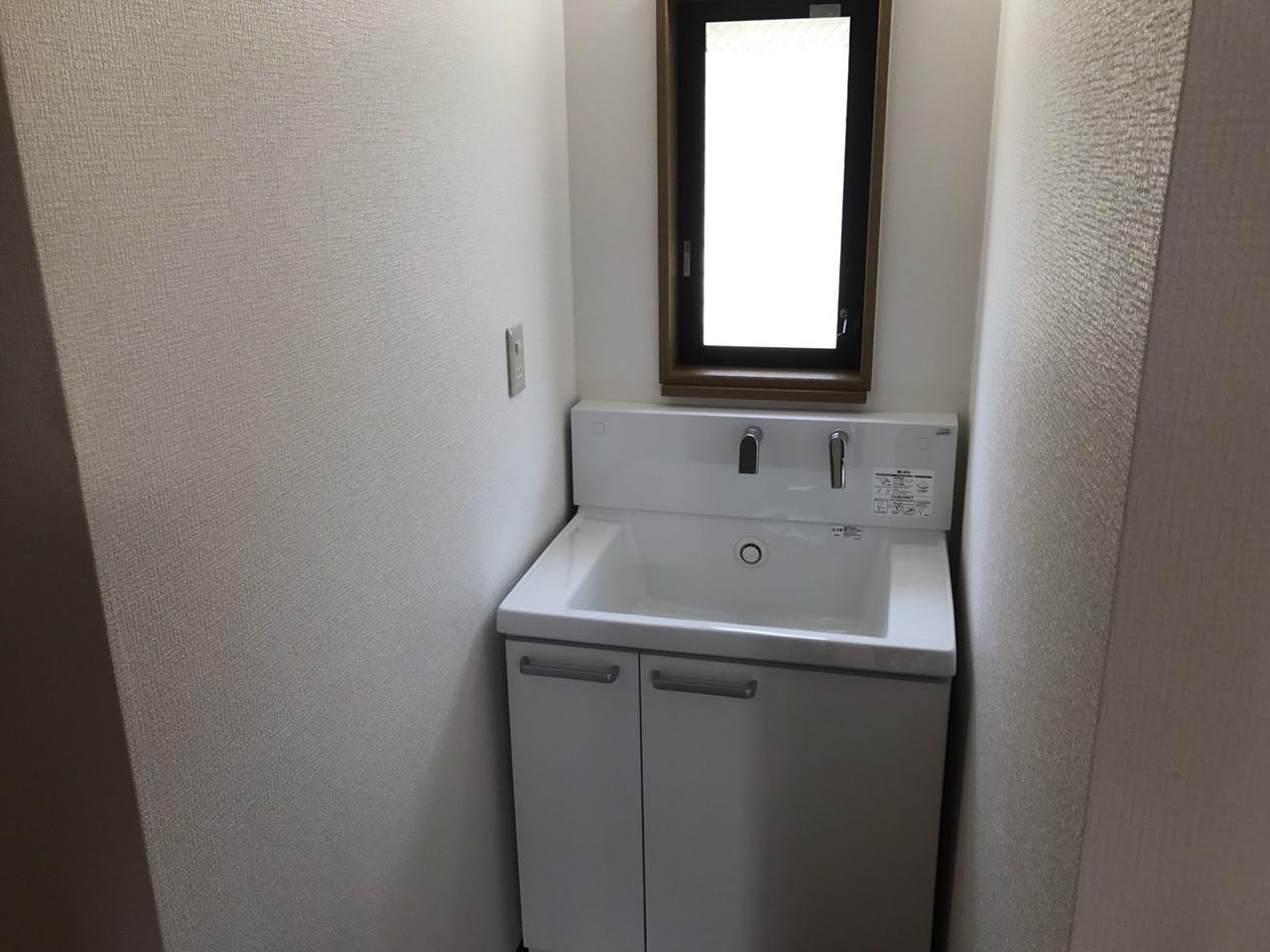 忙しい時など便利な2階の洗面台