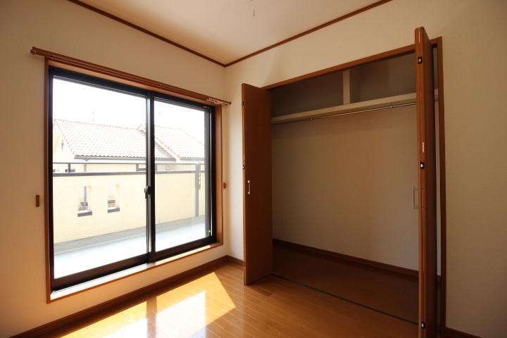 全居室に収納があります。納戸もあるので、お部屋のスペースが有効利用できます。