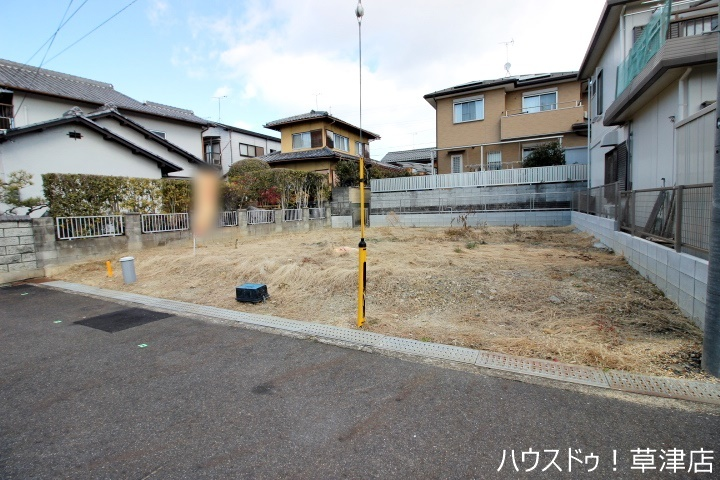 土地約45坪、建築条件なしの売土地です。
