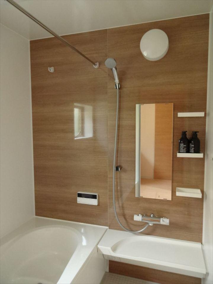 浴室乾燥機 標準装備です!雨の日でも洗濯物を干すのに助かりますね。