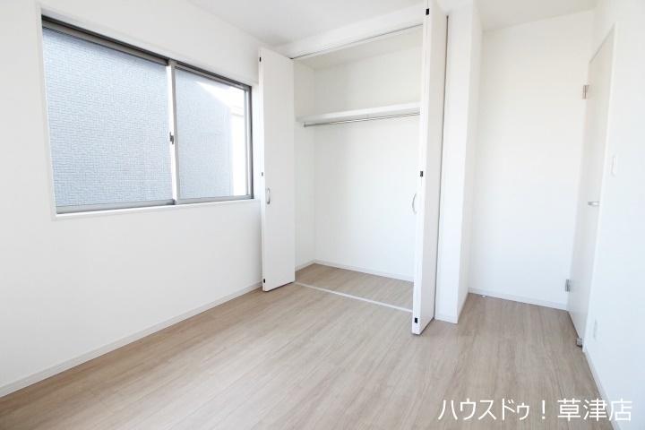 全居室収納完備 収納家具を減らして広々空間をお楽しみいただけるように工夫されています