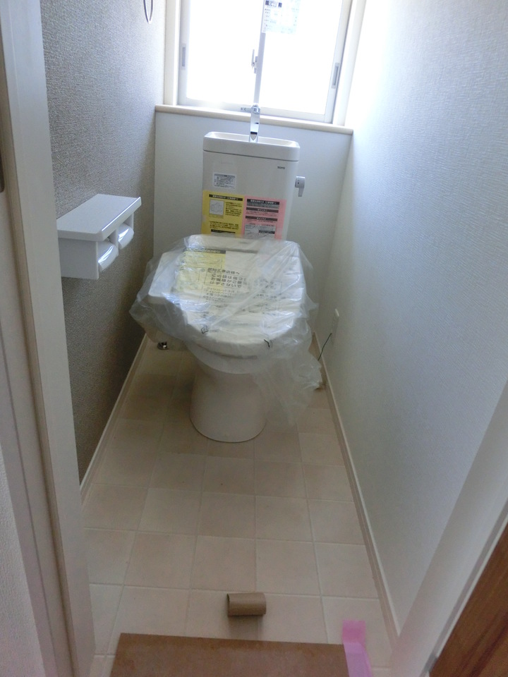 現地の様子(H29年6月3日撮影) かわいい雑貨を飾りたくなるトイレです♪