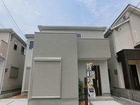 【外観写真】 現地の様子(H29年6月3日撮影) 爽やかな白壁のお家が建ちました!