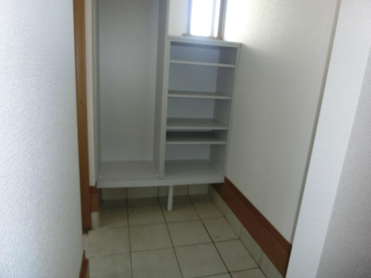 玄関横のシューズインクローゼットです♪ 靴が散らからない玄関って良いですよね!