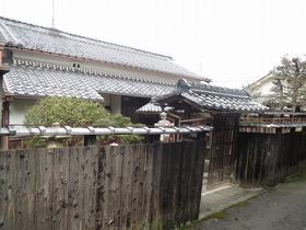近江八幡市浅小井町