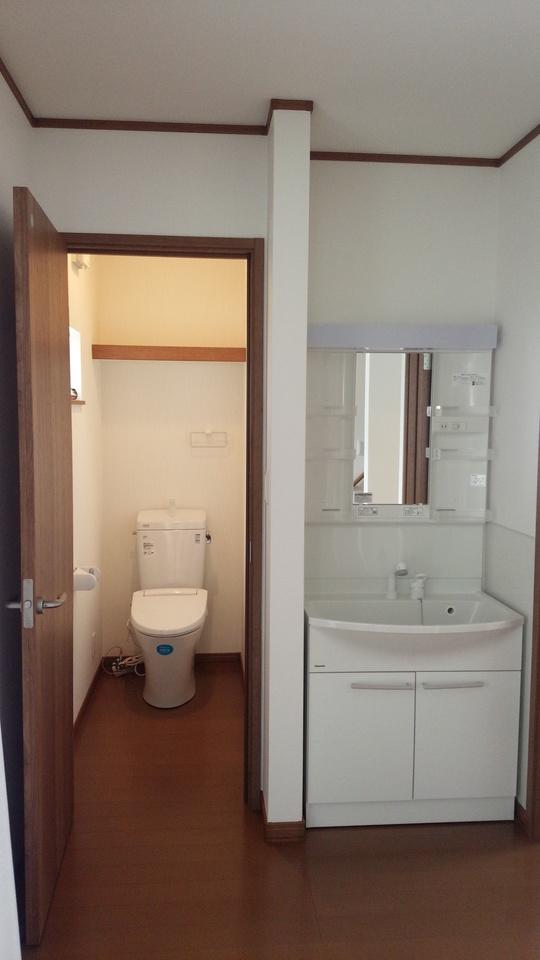 2Fにもトイレと洗面台完備