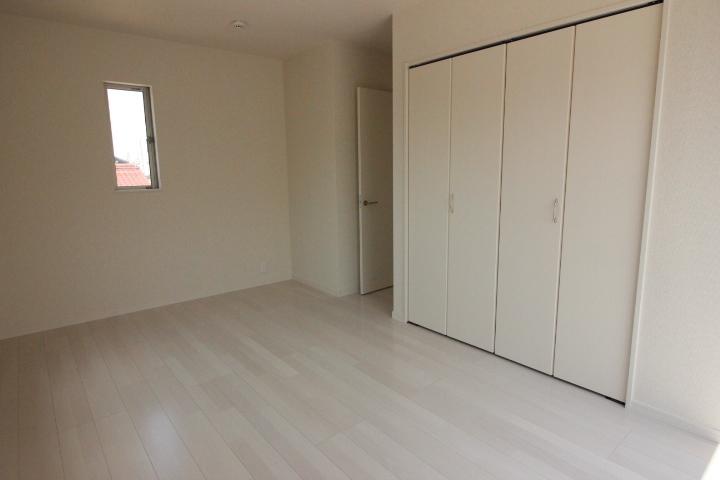 収納 全居室にクローゼットがあります。