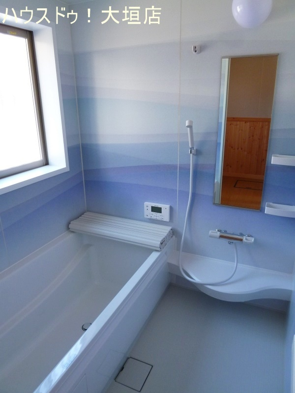 雲海のような浴室はリラックス出来る空間です。