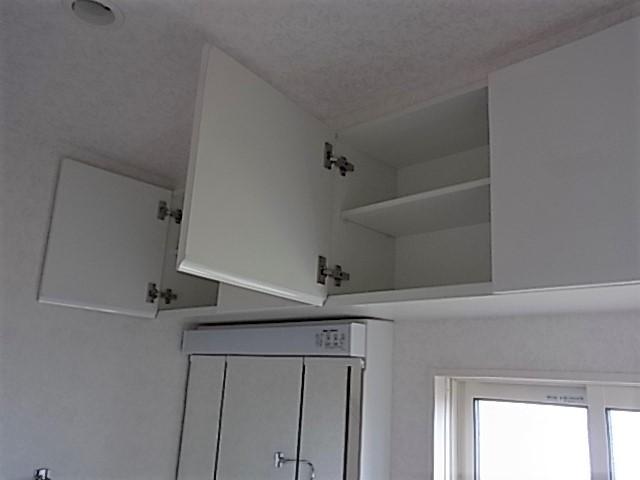 洗面所にも収納が配置されており、タオルや、洗剤の収納にもこまりません。